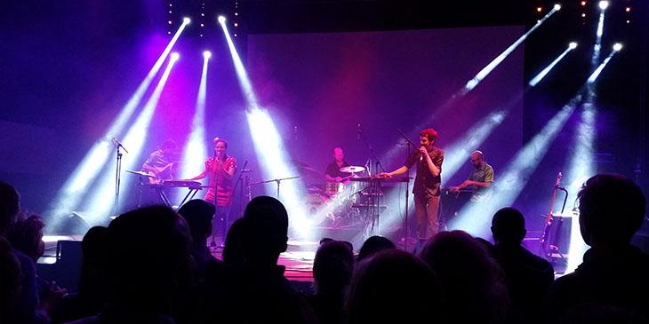 Kolumbijska grupa Meridian Brothers połączyła południowoamerykańskie rytmy z elektroniką
