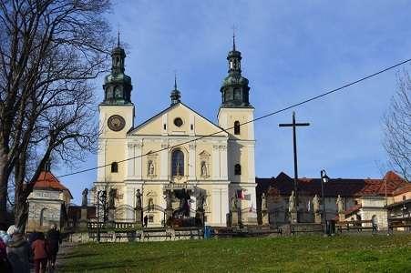 Sanktuarium w Kalwarii Zebrzydowskiej - jedno z najważniejszych miejsc pielgrzymkowych w Polsce