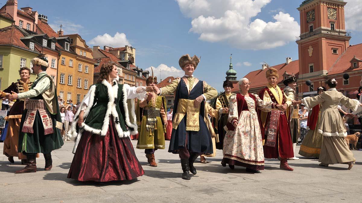 Międzynarodowy Festiwal Poloneza w Polsce