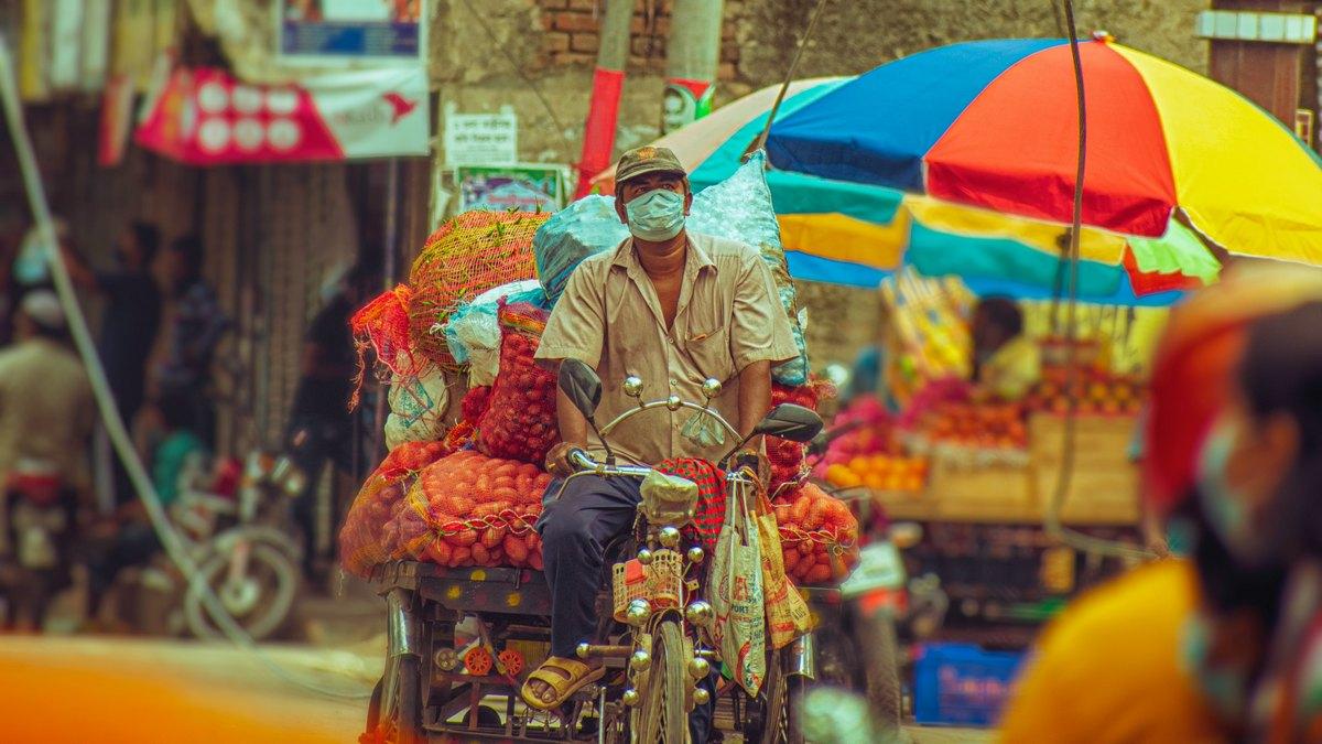 Mężczyzna na rowerze, Bangladesz