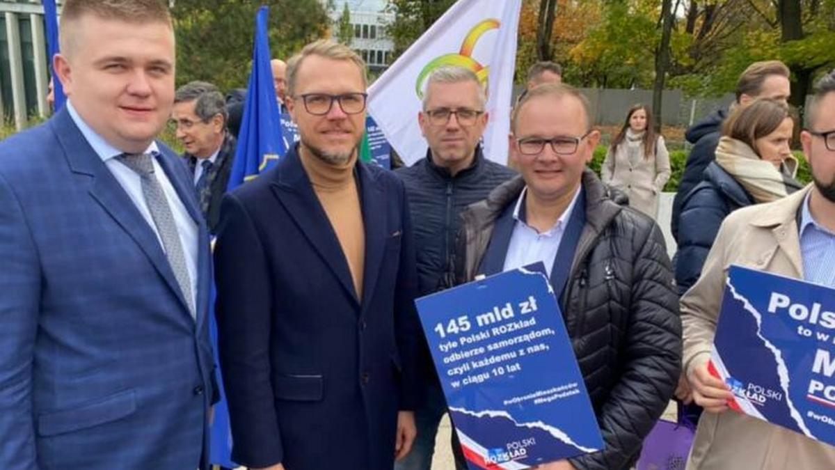 Władze Łukowa na manifestacji przeciw Polskiemu Ładowi